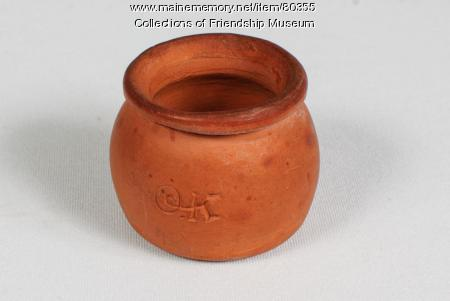 Miniature bean pot, ca. 1910
