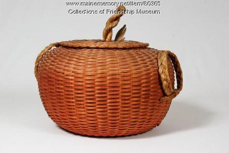 Rent basket, ca. 1910