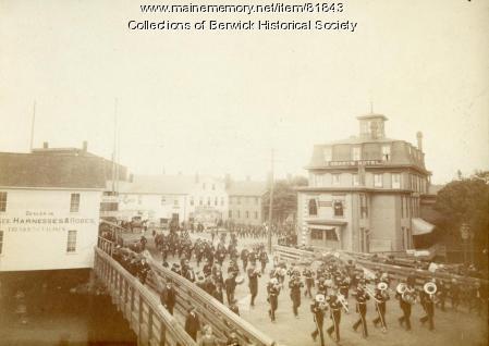 Parade Sullivan Square, ca. 1900