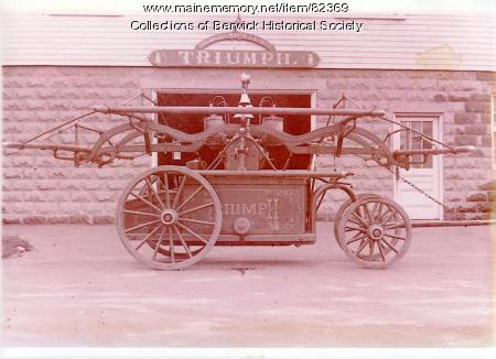 Triumph handtub engine, Berwick, ca. 1930
