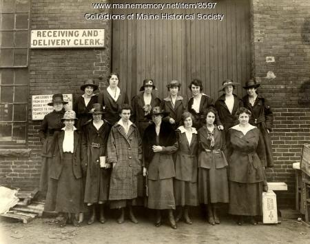 Women employees, Portland Company, 1917