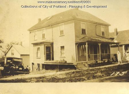 Deering Loan and Building Association property, W. side Island Avenue, Peaks Island, Portland, 1924