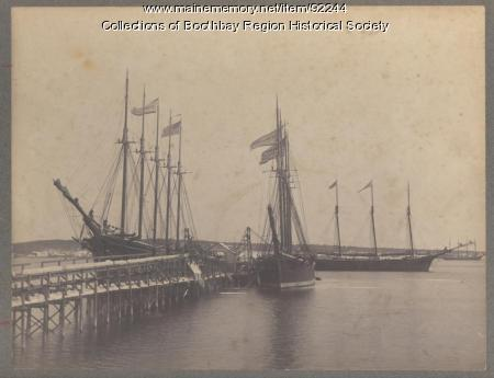 Schooners loading ice at West Boothbay Harbor ice wharf, 1907