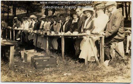 Clambake at Mckown's Point, Boothbay, ca. 1915