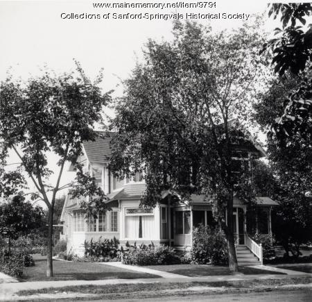 Queen Anne Style House, Sanford, Circa 1910