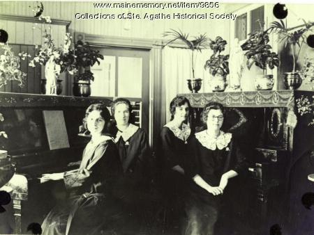 Music class, Notre Dame de la Sagesse, St. Agatha, 1924