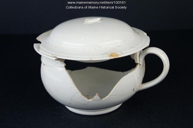 Chamber pot and lid, Portland, ca. 1875