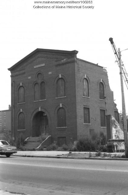 Anshe Sfard synagogue being demolished, Portland, 1983