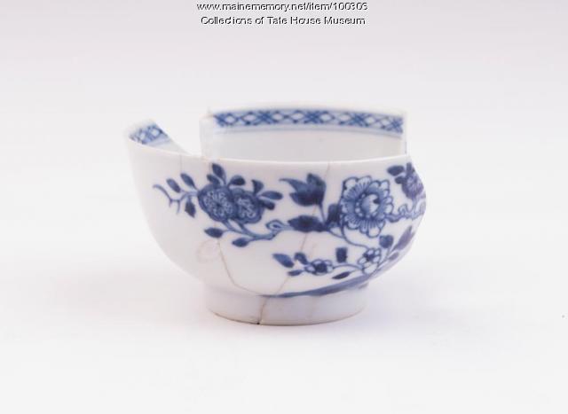 Chinese export porcelain tea bowl, Portland, ca. 1760