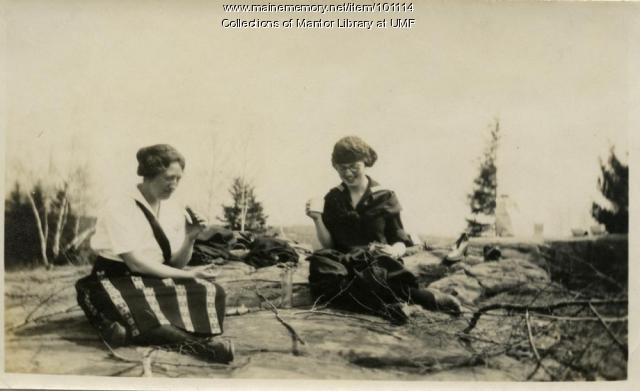 Picnic at Craig's Ledge, Farmington, ca. 1923