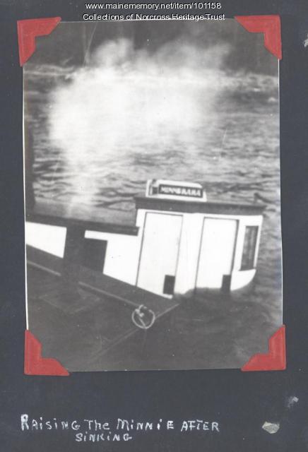 Raising sunken steamboat, Norcross Wharf, ca. 1915