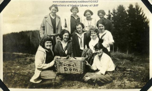 Craig's Ledge picnic, Farmington, ca. 1922
