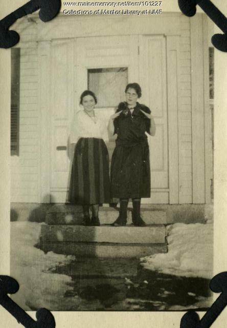 Leona Coy and Eva Cummings, Farmington, ca. 1921
