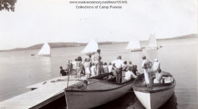 Sailing lessons at Camp Runoia