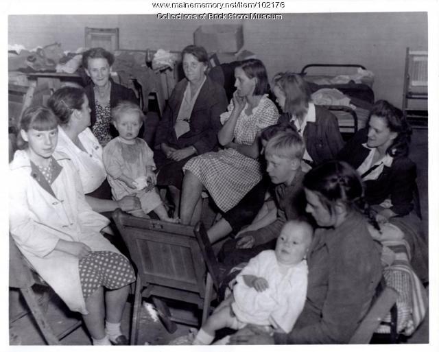 Forest fire refugees, Biddeford, 1947
