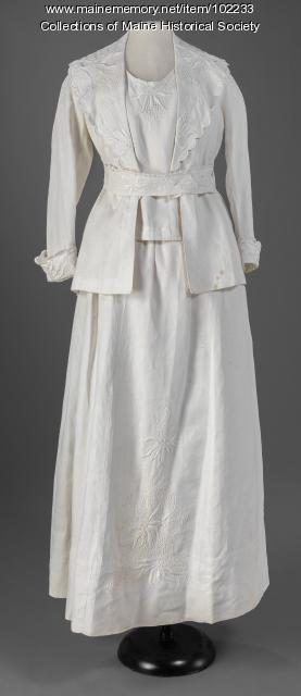Marion Phinney's linen ensemble, Portland, ca. 1915