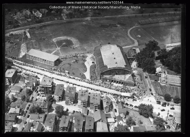 Derby Race, Park Avenue, Portland ca. 1930