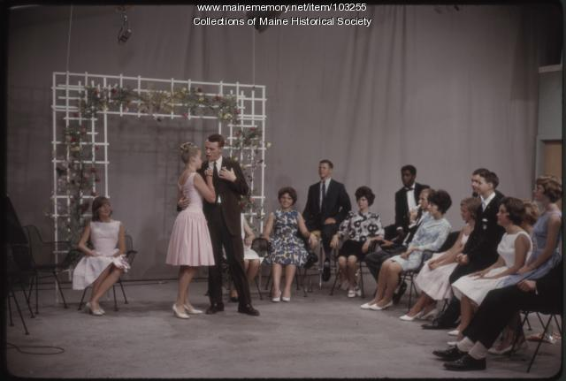 Dave Astor Show student guests perform a duet, Portland, ca. 1962