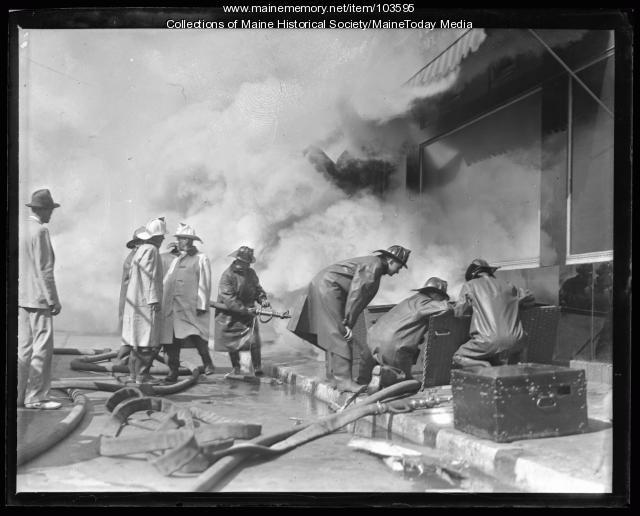 Libby Building fire, Portland, 1936