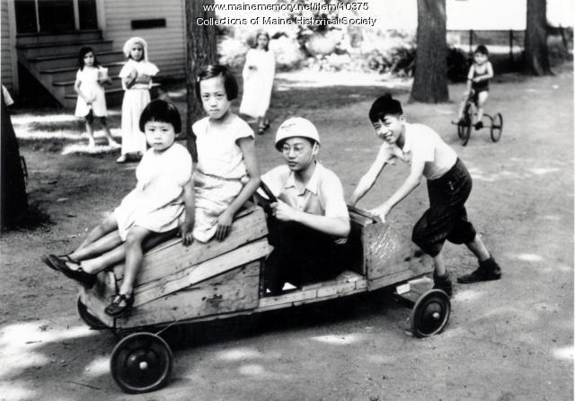 Goon children playing, ca. 1934