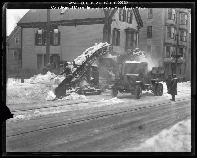 Snow loader, Portland, 1935