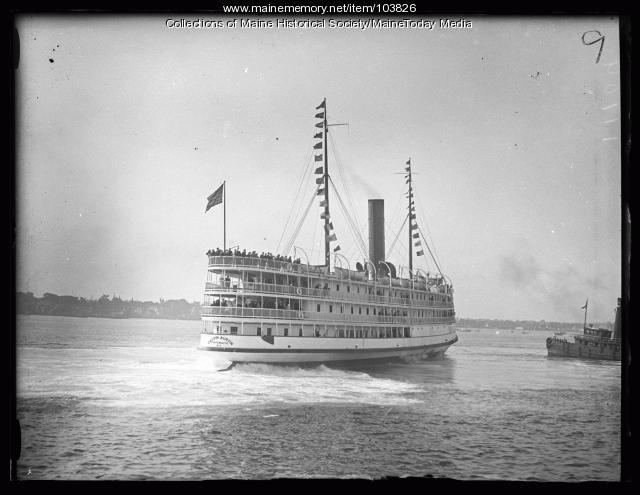 Steamship liner Calvin Austin, Portland, 1925