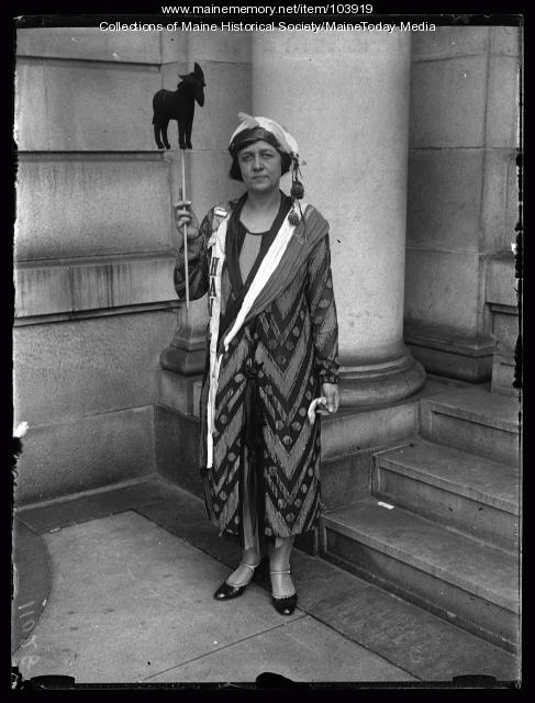 Missouri business woman, Portland, 1925