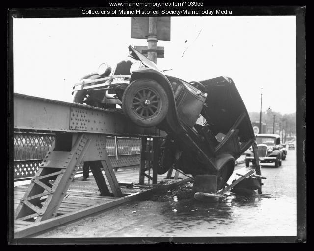 Automobile accident, ca. 1925