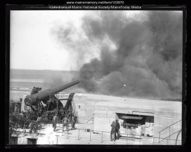 Soldiers firing breechloading rifle at Battery Blair, Cape Elizabeth, ca. 1930