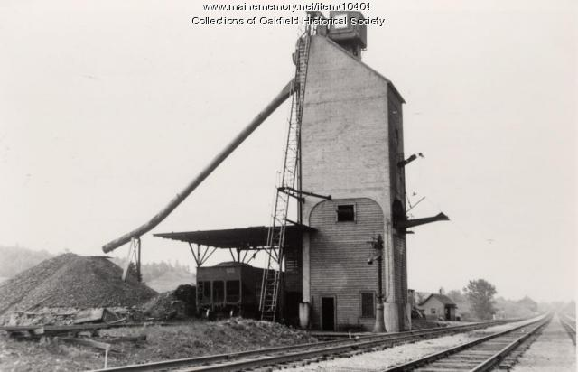 Main line coal tower in Oakfield, c. 1945