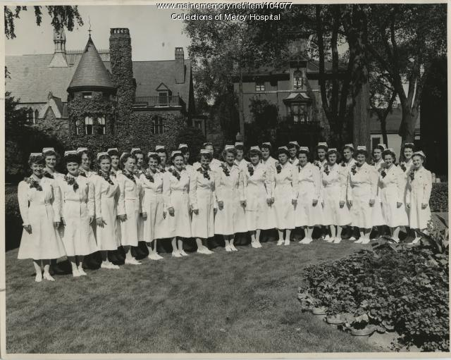 Mercy Hospital School of Nursing graduates, Portland, 1948