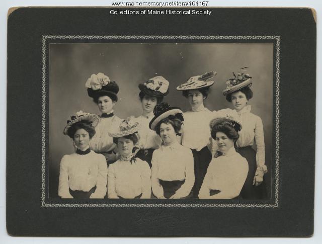 Young women of Millinocket, 1901