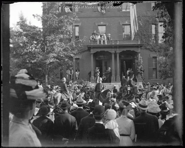 President Theodore Roosevelt and Thomas Brackett Reed at 32 Deering Street, Portland, 1902