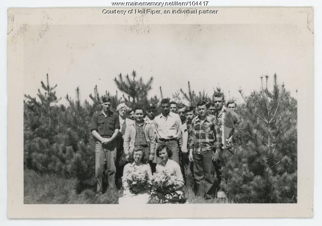 Unity High School field trip to Troy Town Forest, ca. 1945