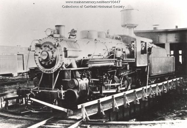 Engine 182, Oakfield Yard turntable, 1925