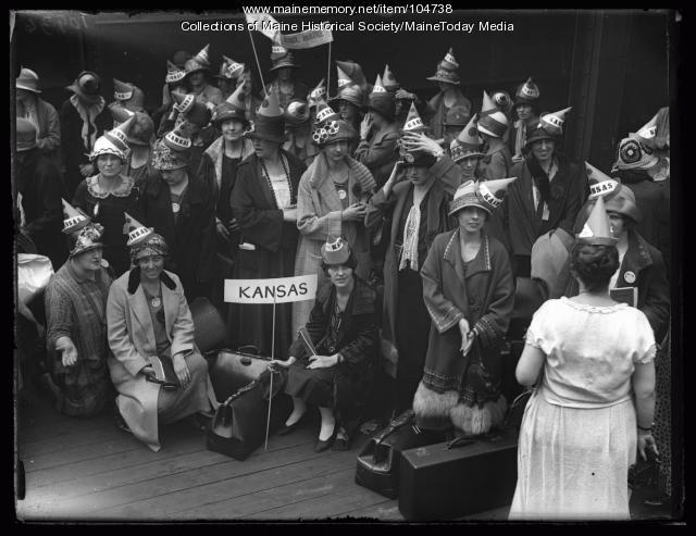 Kansas B.P.W. delegation, Portland, 1925