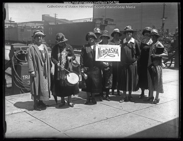 Nebraskan NFBPWC delegation, Portland, 1925