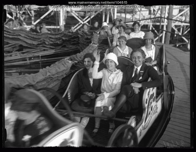 "NFBPWC delegates ride the ""Caterpillar"" at Old Orchard Beach, 1925"