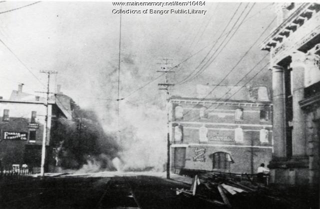 Bangor Public Library, during the Bangor Fire, 1911