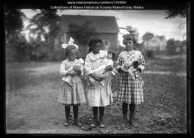 Three girls preparing for a Chapman school play, Portland, 1921