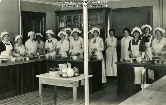 Home Economics cooking class, Farmington, 1916