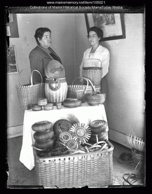 Margaret and Pauline Shay, Portland, 1923