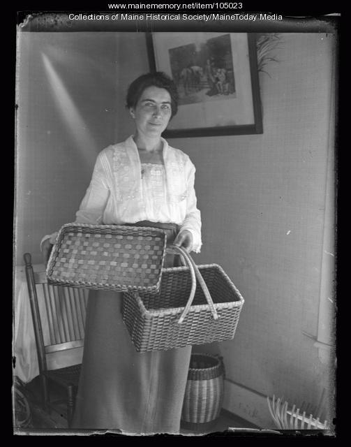 Pauline Shay with picnic basket, Portland, 1923
