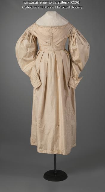 Gigot (mutton chop) sleeve dress, ca. 1830