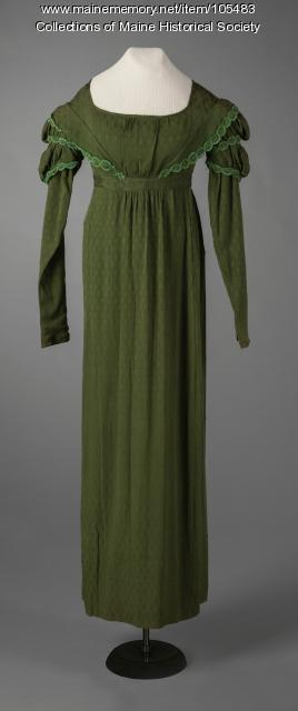 Silk crepe dress with double puff sleeves, Eastport, ca. 1825