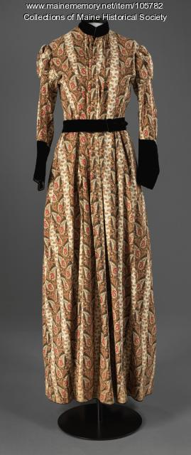 Tea gown wrapper dress with velvet trimming, ca. 1895