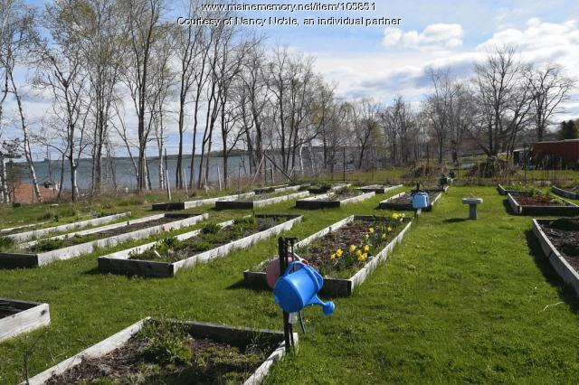 The Long Island Community Garden awaits gardeners, 2020