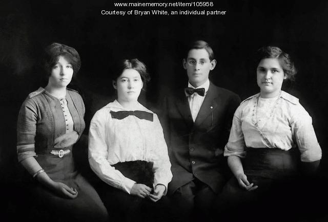 Easton High School Graduating Class, 1913
