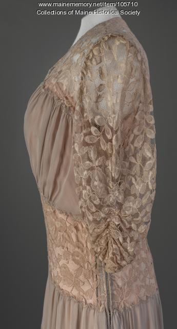 Adeline Rines' georgette gown, Portland, ca. 1941