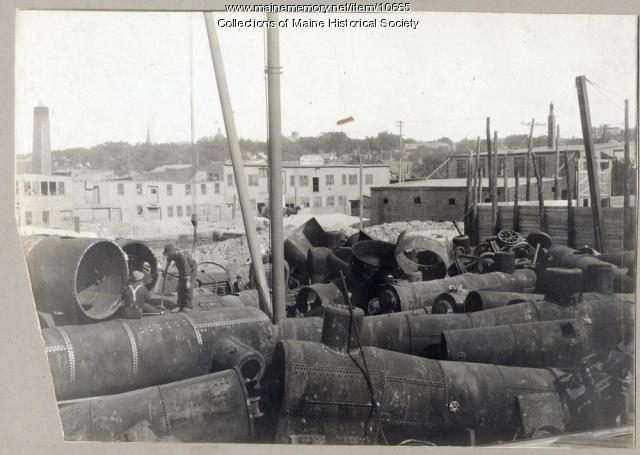 W.H. Perry Co. scrap, Portland, ca. 1909